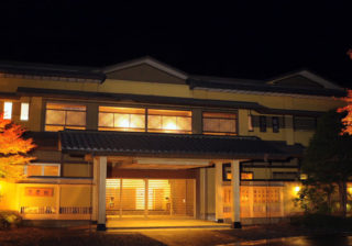Nishiyama Onsen Keiunkan - Oldest company Family Business