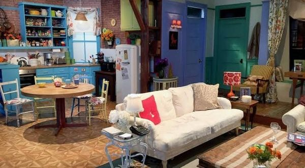 Friends sitcom Series decor Monica Apartment